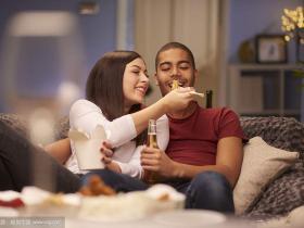 第一次约会和女人聊天怎么聊
