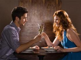 和内向女孩子约会话题有哪些,该怎么聊天