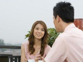 和女生约会时怎么找话题聊天?