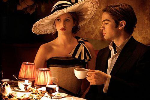 第一次约会时聊什么话题,才不会冷场和尴尬?