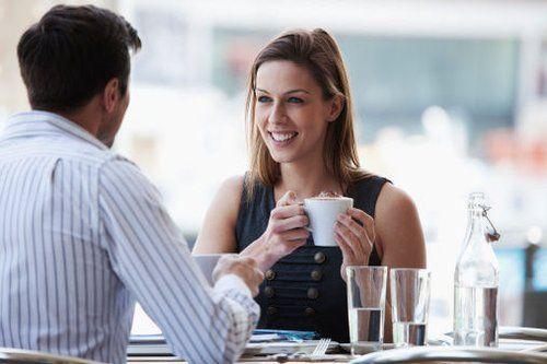 男女约会聊什么,10个话题速速来电