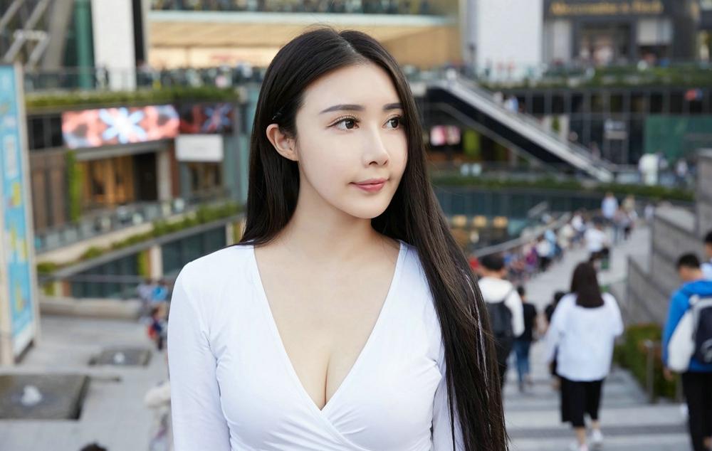 春节和女前台约会时如何找话题