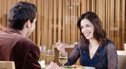 520和女生约会时怎么才能愉快的聊天?