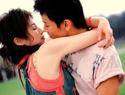 约附近人的聊天技巧, 第一次约会就可以接吻