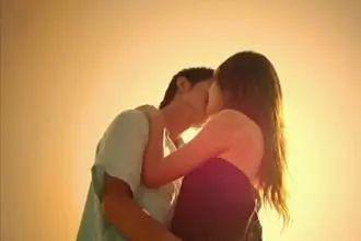 过来人告诉你;约会附近人技巧:懂得聊天的人, 第一次约会就可以接吻